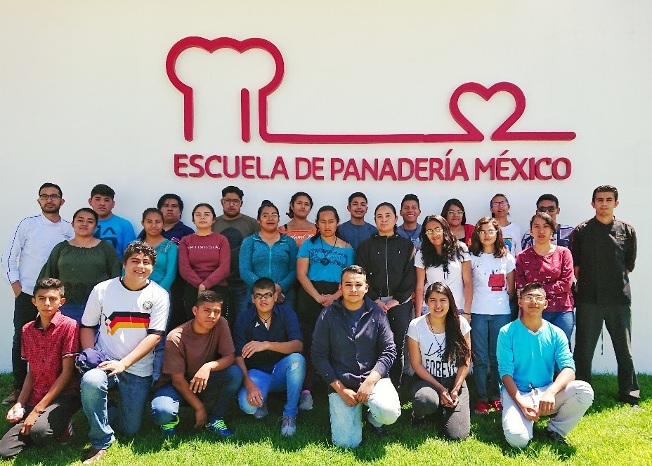 On the 26th of August, our Bakery School in Mexico welcomed 25 youngsters for the second batch.